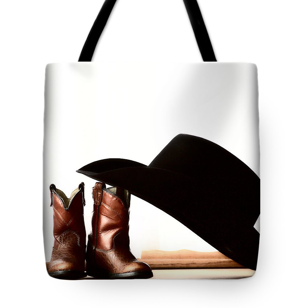 aa23134eba365 Cowboy Hat Leaning On Small Boots Tote Bag