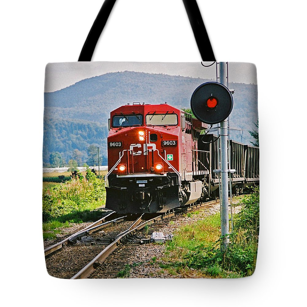 Trains Tote Bag featuring the photograph Cp Coal Train And Signal by Randy Harris