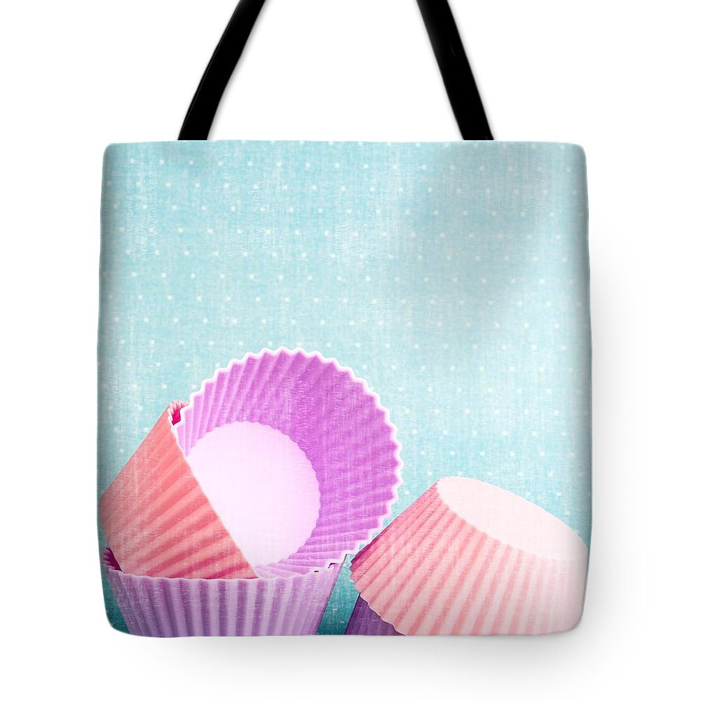 Cup Tote Bag featuring the photograph Cupcake by Edward Fielding
