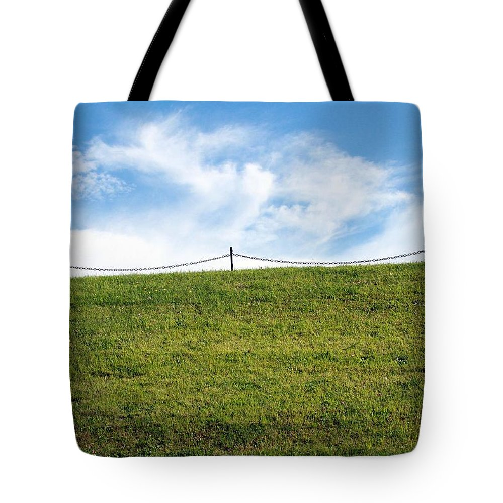 Sky Tote Bag featuring the photograph Daydreams- Nature Photograph by Linda Woods