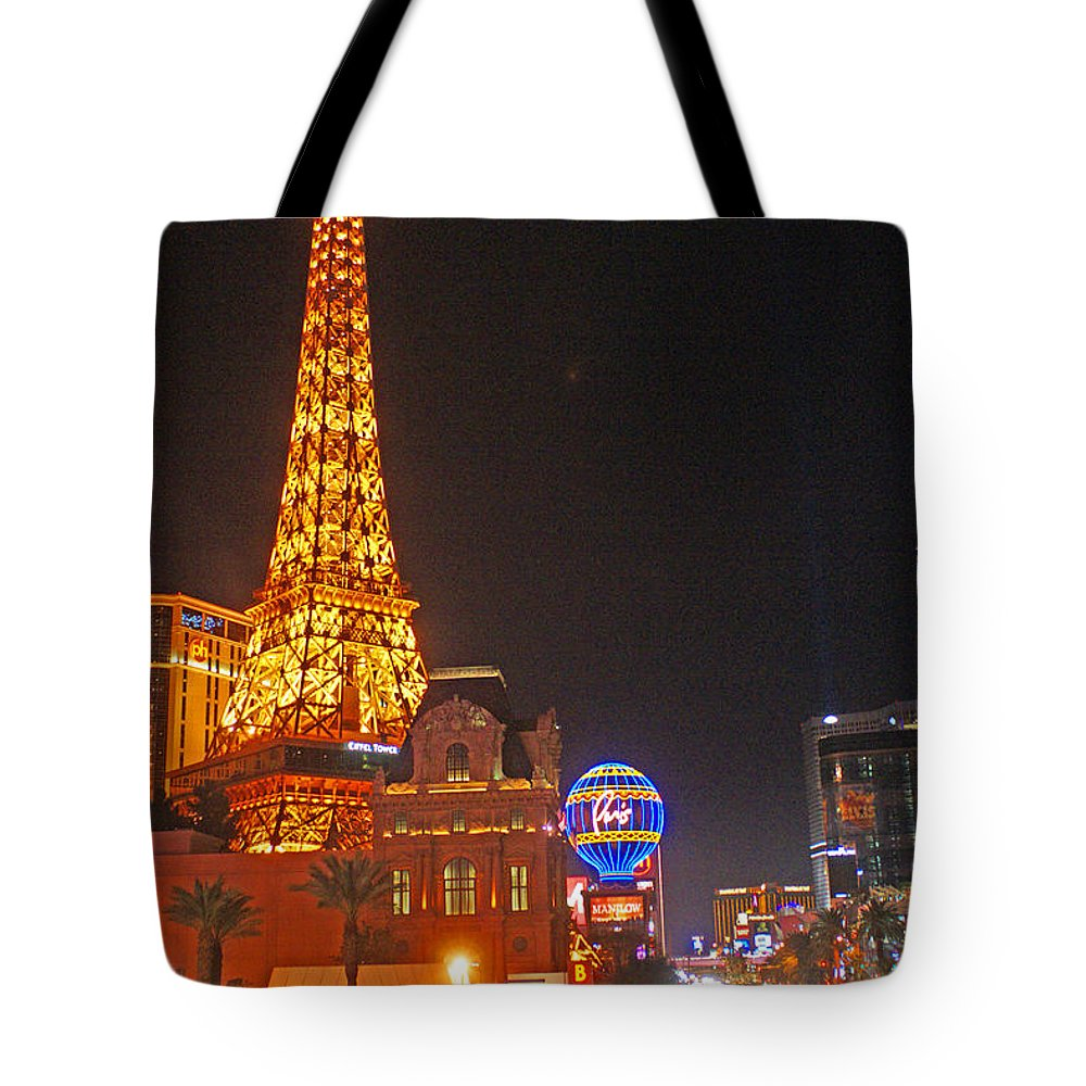 Las Vegas Tote Bag featuring the photograph Eiffel Tower by Randy Harris