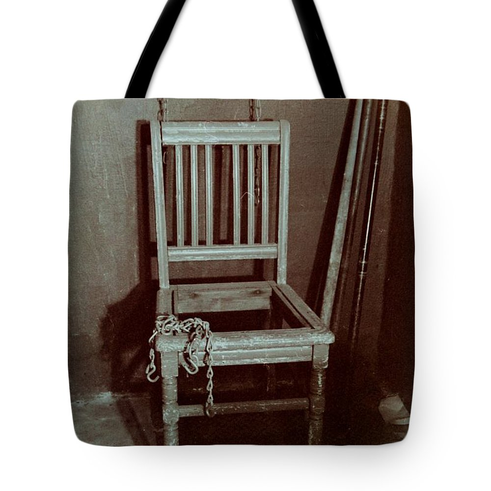 Chair Tote Bag featuring the photograph Escape by T Campbell