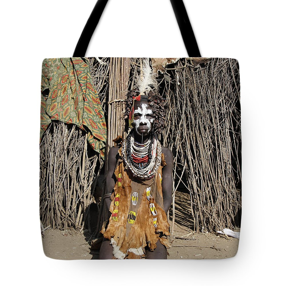 Africa Tote Bag featuring the painting Ethiopia-south Tribesman No.2 by Robert SORENSEN