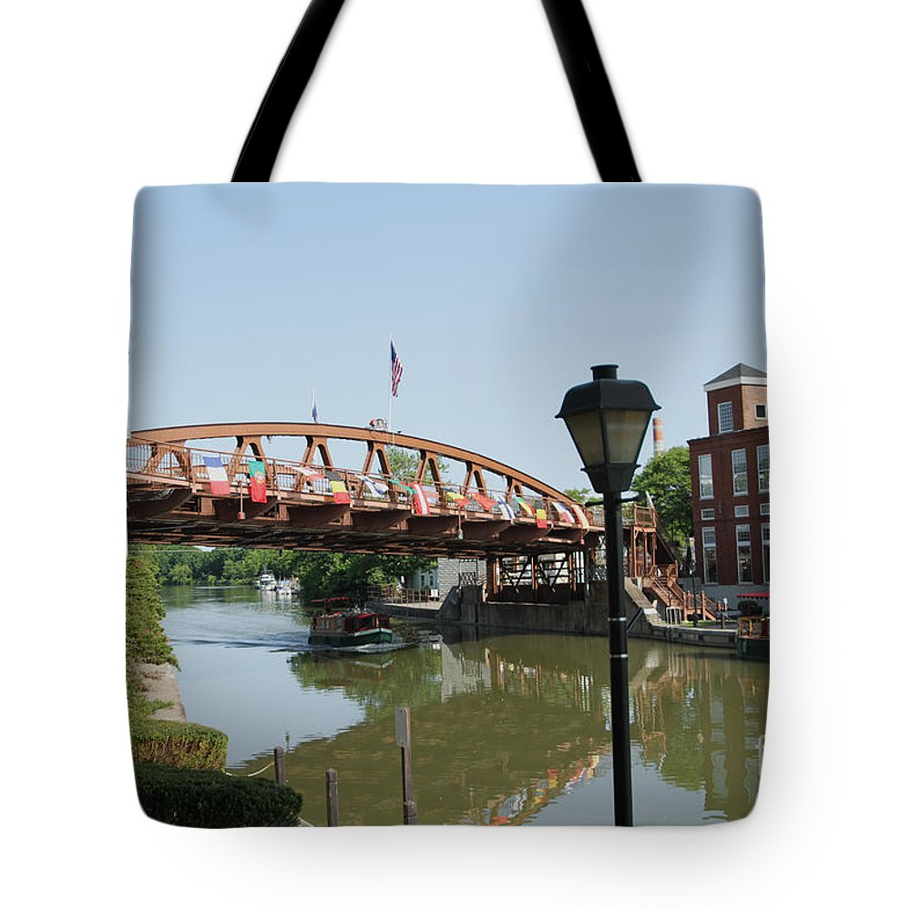 Erie Canal Tote Bag featuring the photograph Fairport Lift Bridge by William Norton