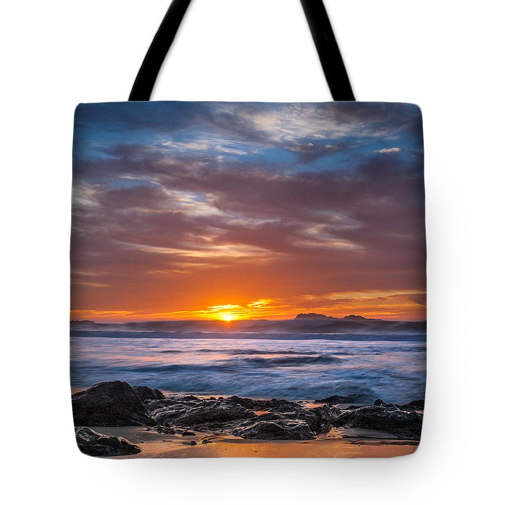 Seascape Tote Bag featuring the photograph Farewell To Autumn Sun by Greg Nyquist