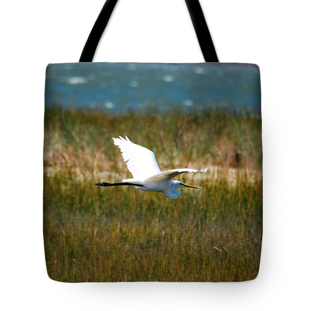 Great Egret Tote Bag featuring the photograph Flight Of The Egret by Lori Tambakis