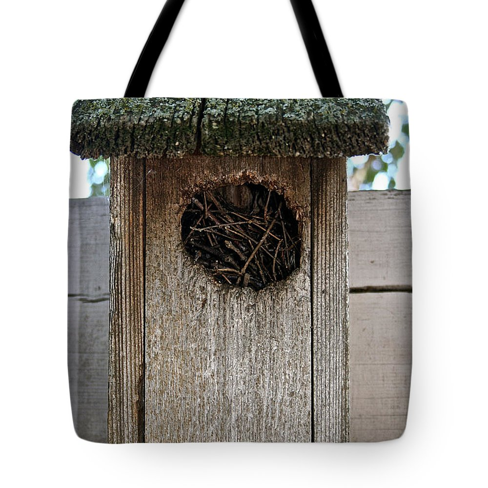 Outdoors Tote Bag featuring the photograph Full House by Susan Herber