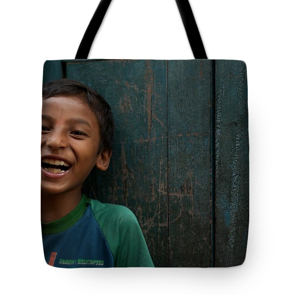 Nepal Tote Bag featuring the photograph Giggles Against The Wall by Valerie Rosen