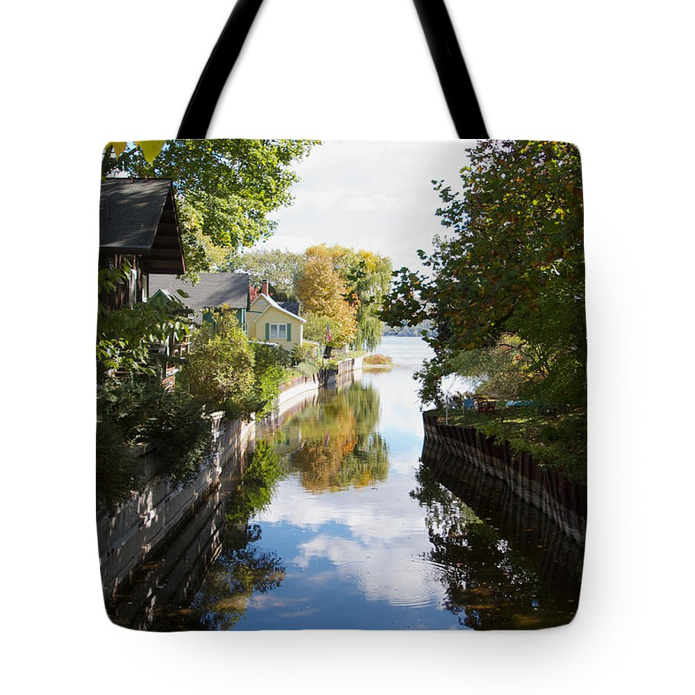Glenoria Tote Bag featuring the photograph Glenora Point by William Norton