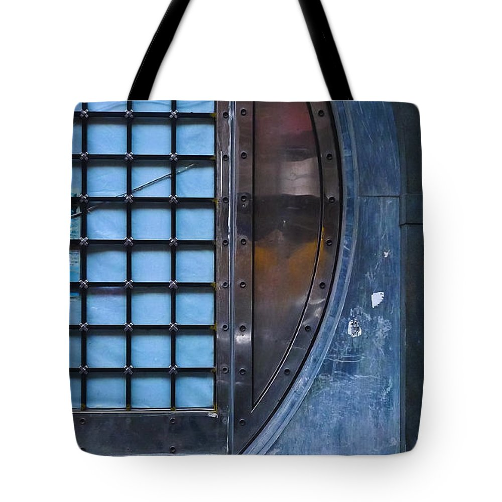 Glimmer Twin Tote Bag featuring the photograph Glimmer Twin by Skip Hunt