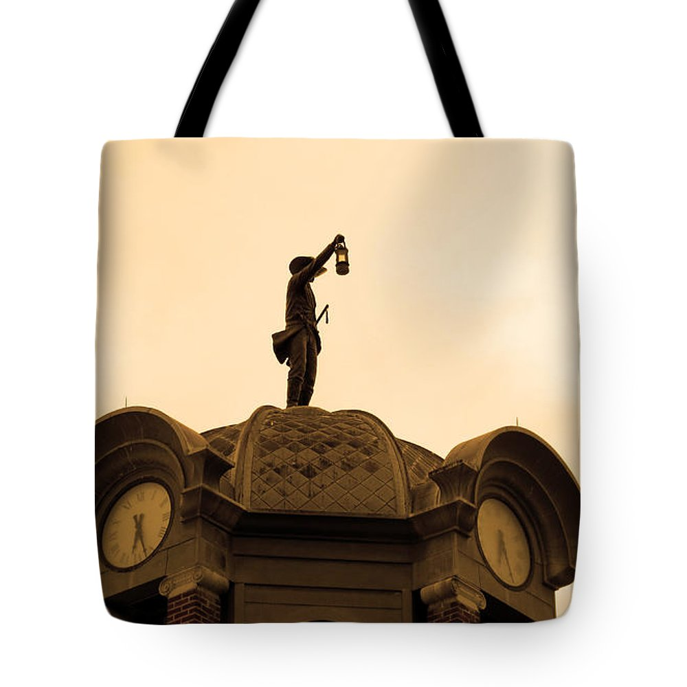 Grapevine City Hall Tote Bag featuring the photograph Grapevine City Hall by Elizabeth Harshman