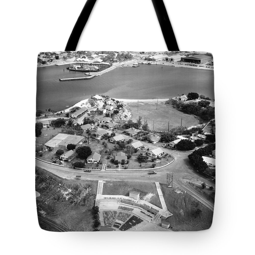 1960 Tote Bag featuring the photograph Guantanamo Bay Naval Base by Granger