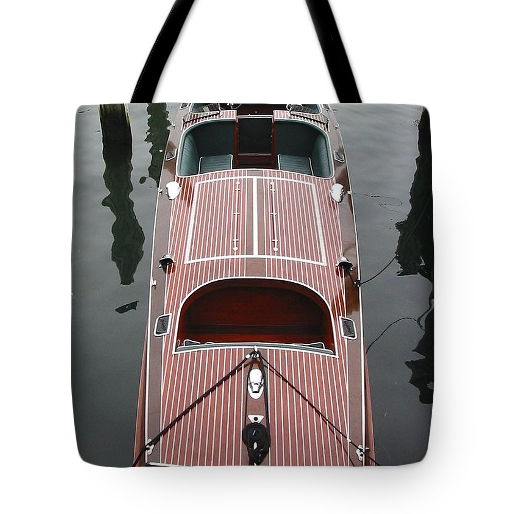 Speedboat Tote Bag featuring the photograph Hacker Craft At The Ready by Lin Grosvenor
