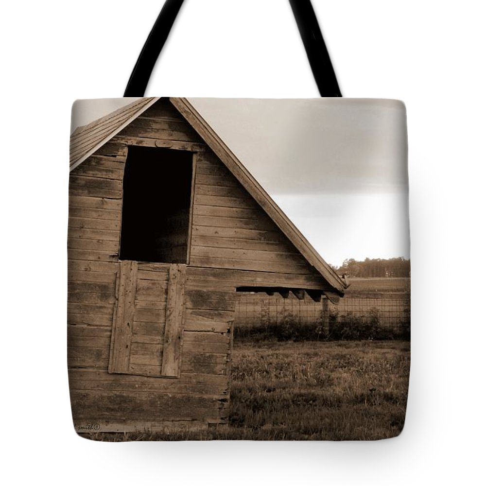 Half Way House Tote Bag featuring the photograph Half Way House by Ed Smith