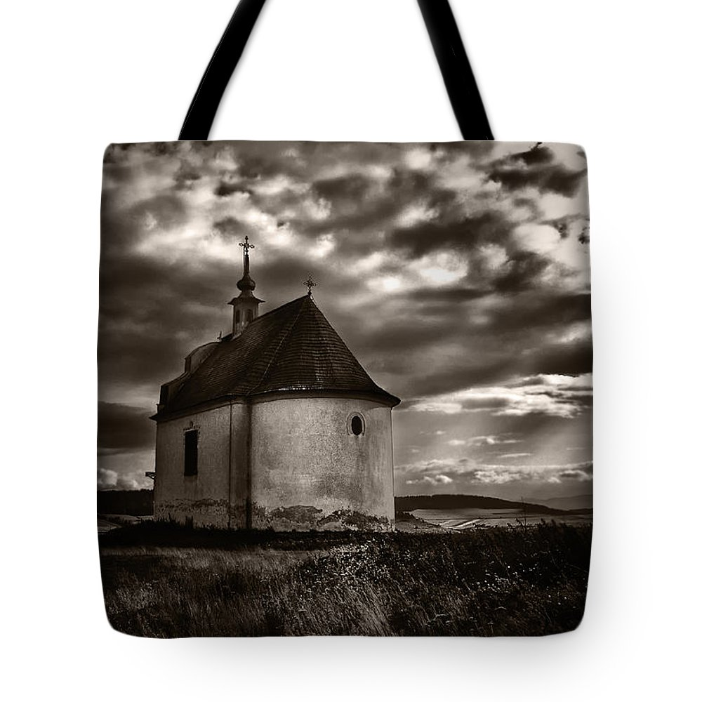 Chapel Tote Bag featuring the photograph Holy Cross Chapel by Tom Bell