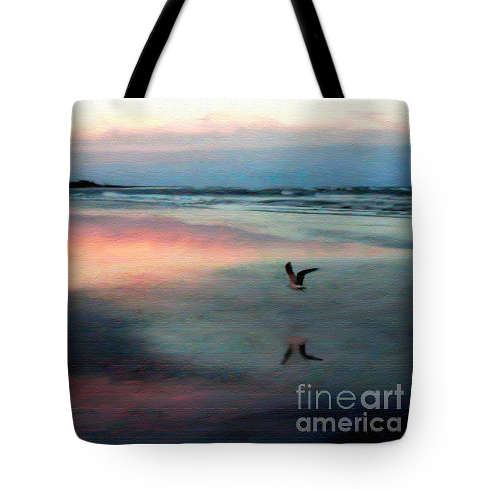 Beach Tote Bag featuring the photograph Homeward Bound by Patricia L Davidson