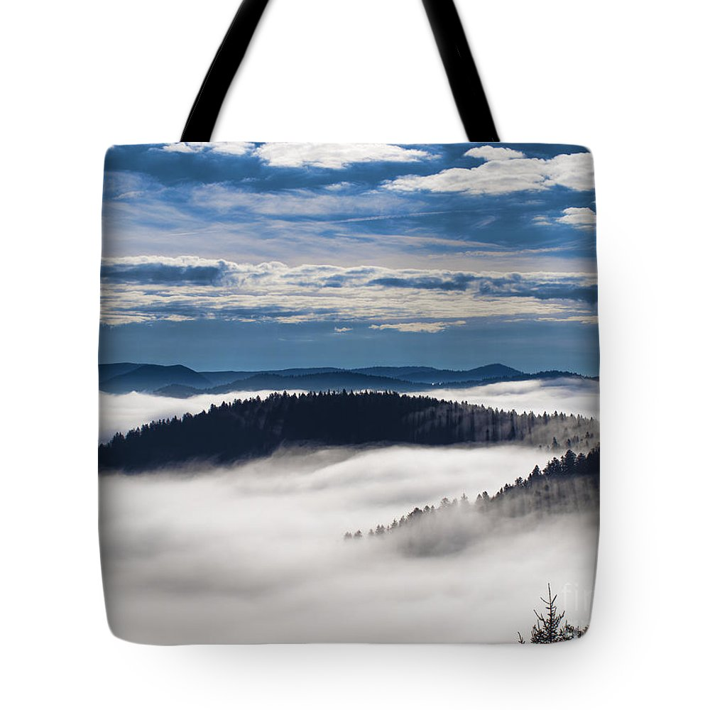 Landscape Tote Bag featuring the photograph Horse Shoe. by Itai Minovitz