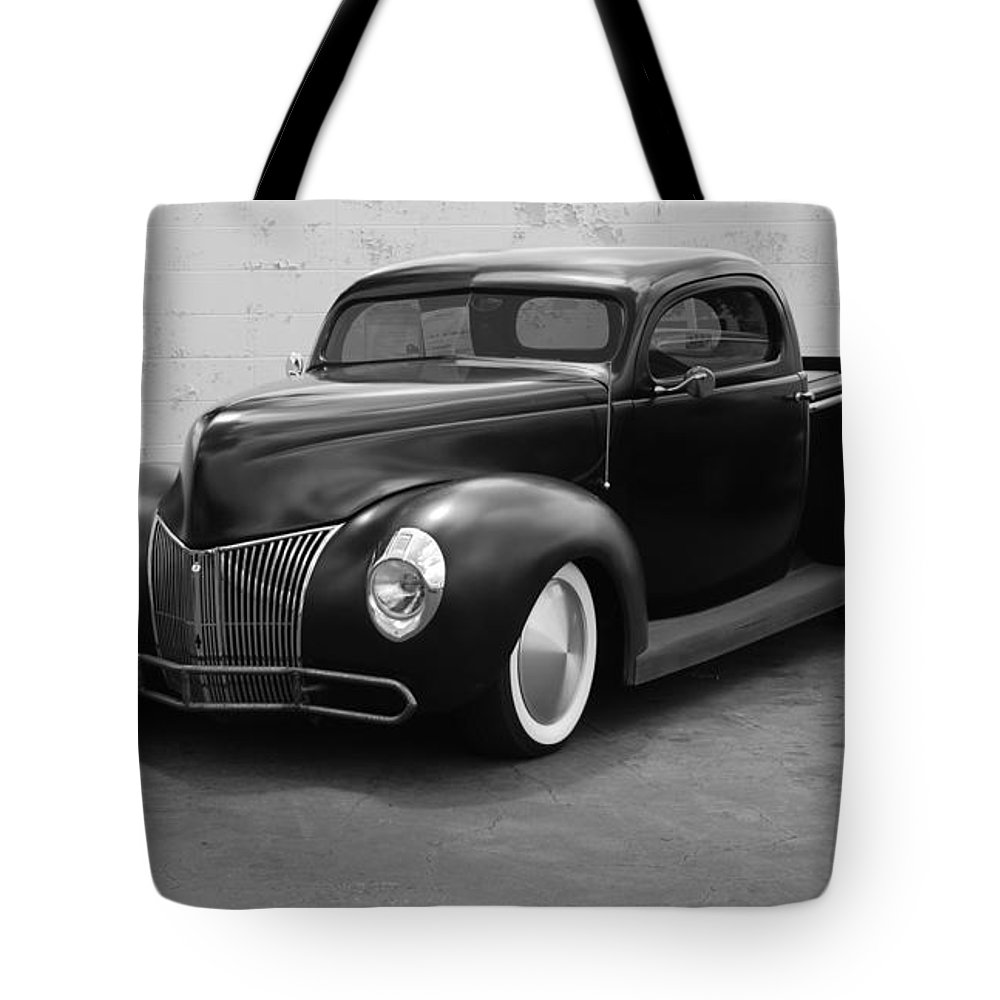 Hot Rod Tote Bag featuring the photograph Hot Rod Pick Up by Rob Hans