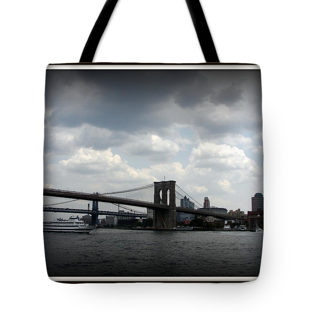 New York Tote Bag featuring the photograph Icon by Priscilla Richardson