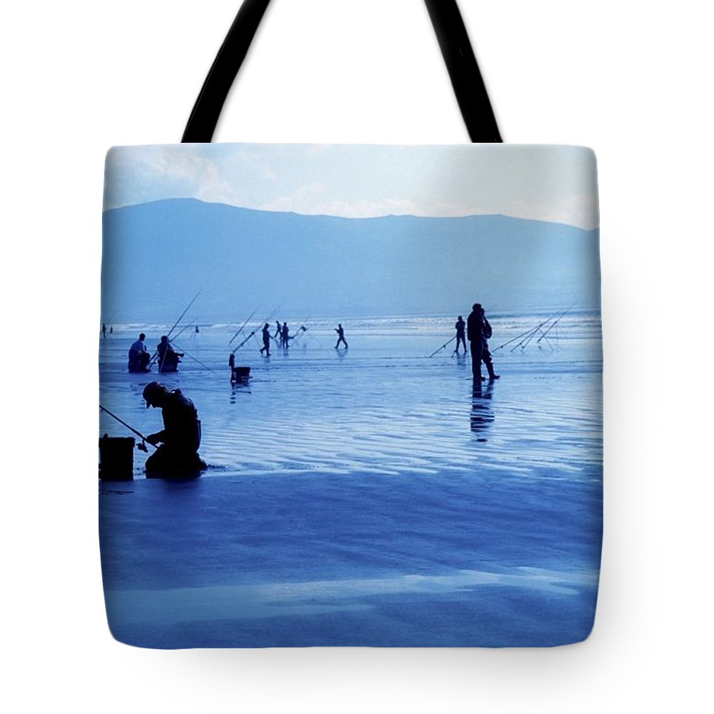 Beach Tote Bag featuring the photograph Inch Beach, Dingle Peninsula, County by Richard Cummins