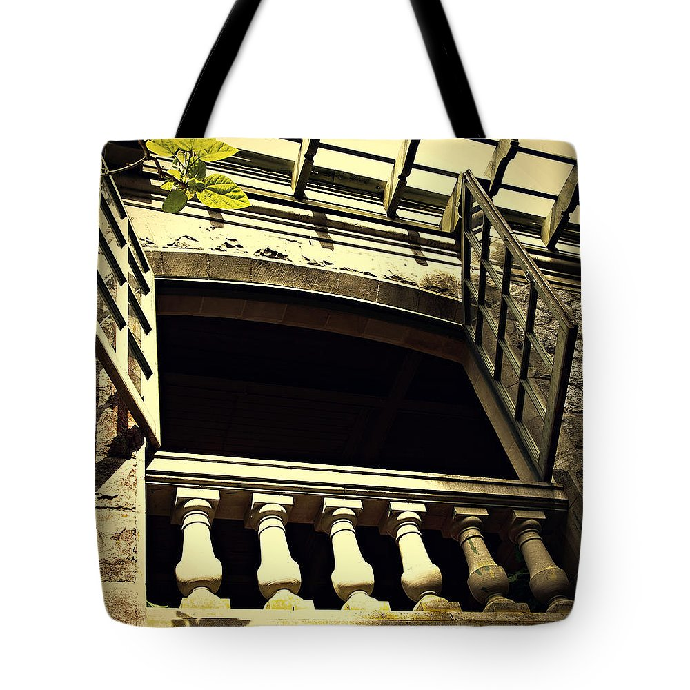Castle Tote Bag featuring the photograph Juliet's Window by Marilyn Wilson