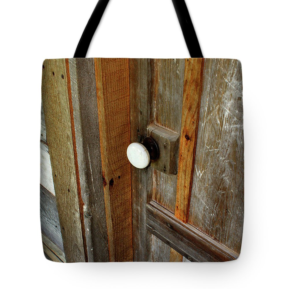 Door Tote Bag featuring the photograph Knock At The Door by Paul Mashburn
