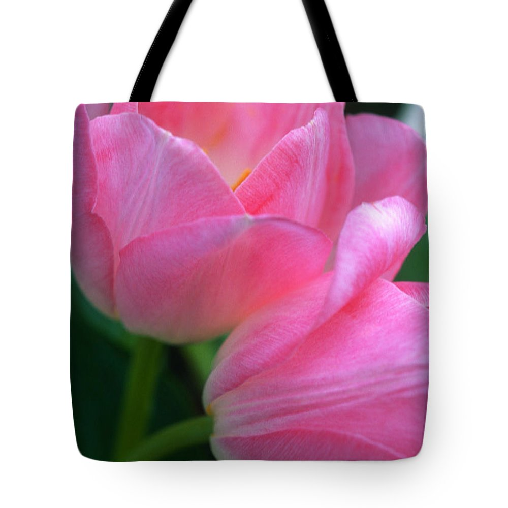 Floral Tote Bag featuring the photograph Lean On Me by Kathy Yates