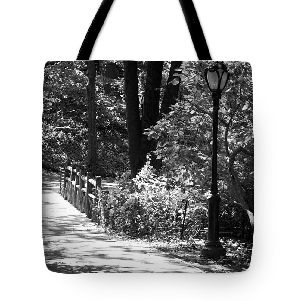 Central Park Tote Bag featuring the photograph Lighted Bridge In Black And White by Rob Hans