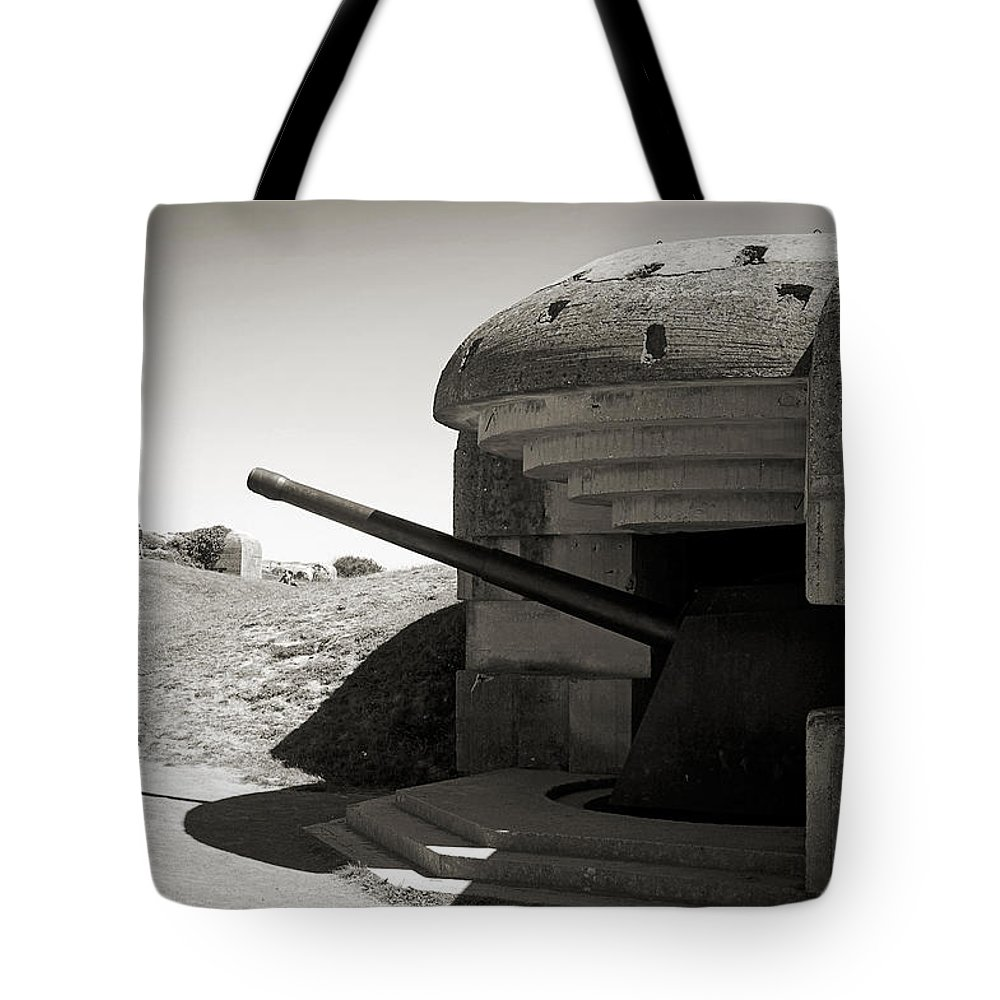 Longues-sur-mer Tote Bag featuring the photograph Longues-sur-mer German Battery by RicardMN Photography