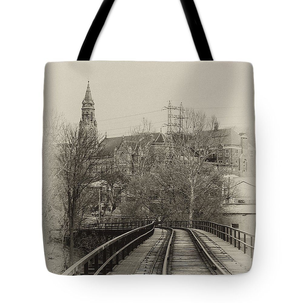 Rail Road Tote Bag featuring the photograph Manayunk From The Tressel Tracks by Bill Cannon