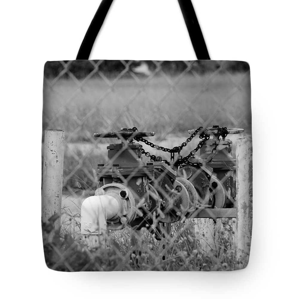 Valves Tote Bag featuring the photograph Mechanical Valves by Rob Hans