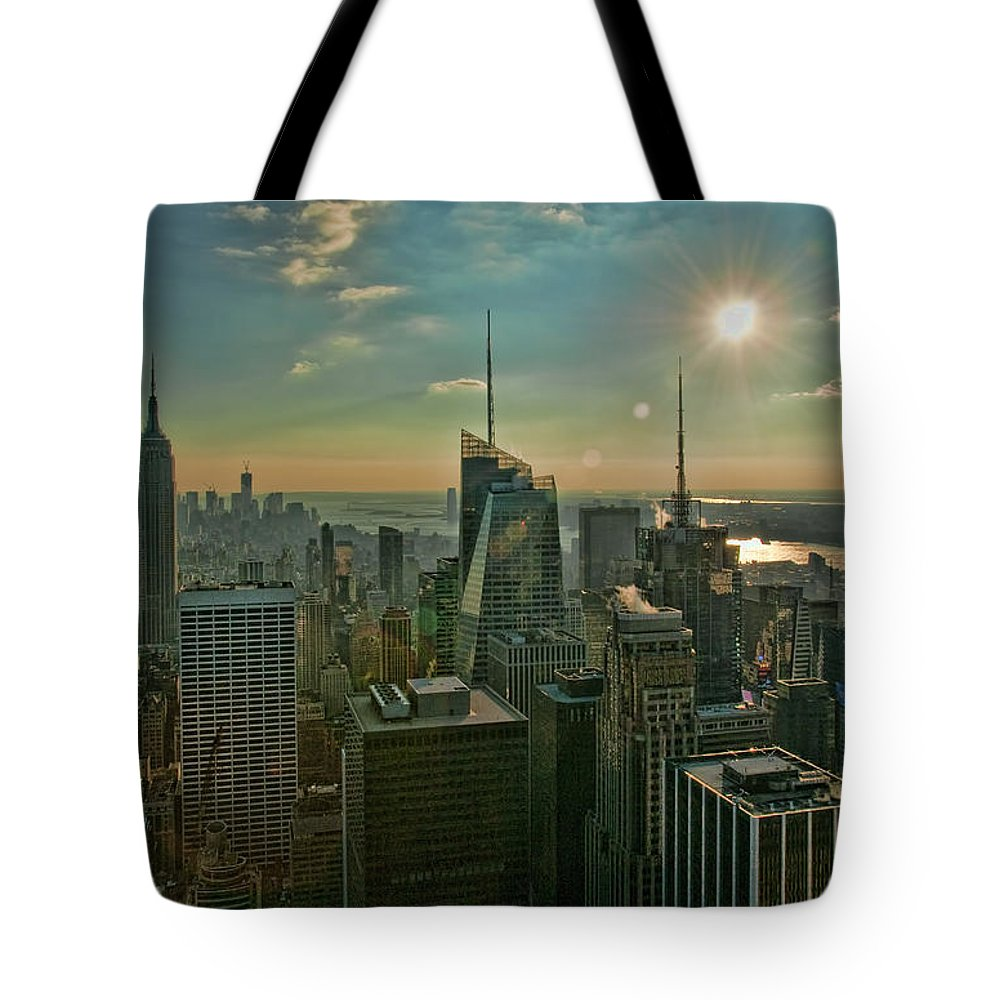 Black And White Tote Bag featuring the photograph Midtown Skyline Hdr by S Paul Sahm