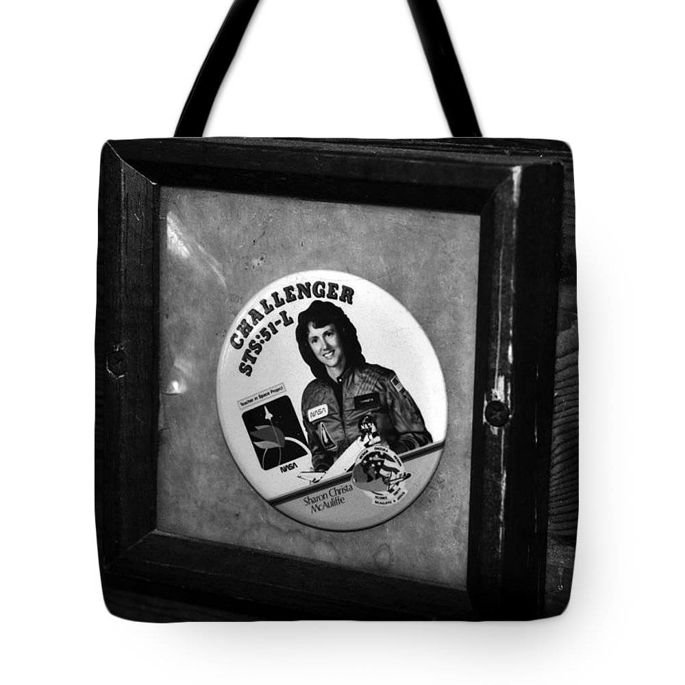 Fine Art Photography Tote Bag featuring the photograph Monument To Courage by David Lee Thompson
