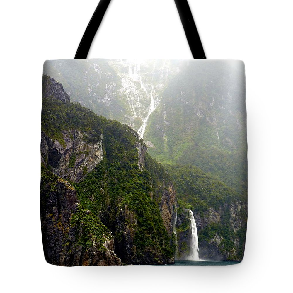 Milford Tote Bag featuring the photograph New Zealand's Milford Sound by Carla Parris