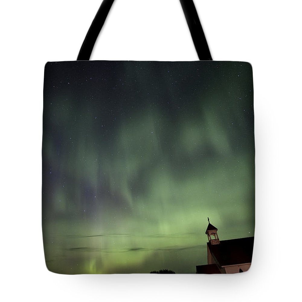 Sky Tote Bag featuring the photograph Night Shot Northern Lights Country Church by Mark Duffy