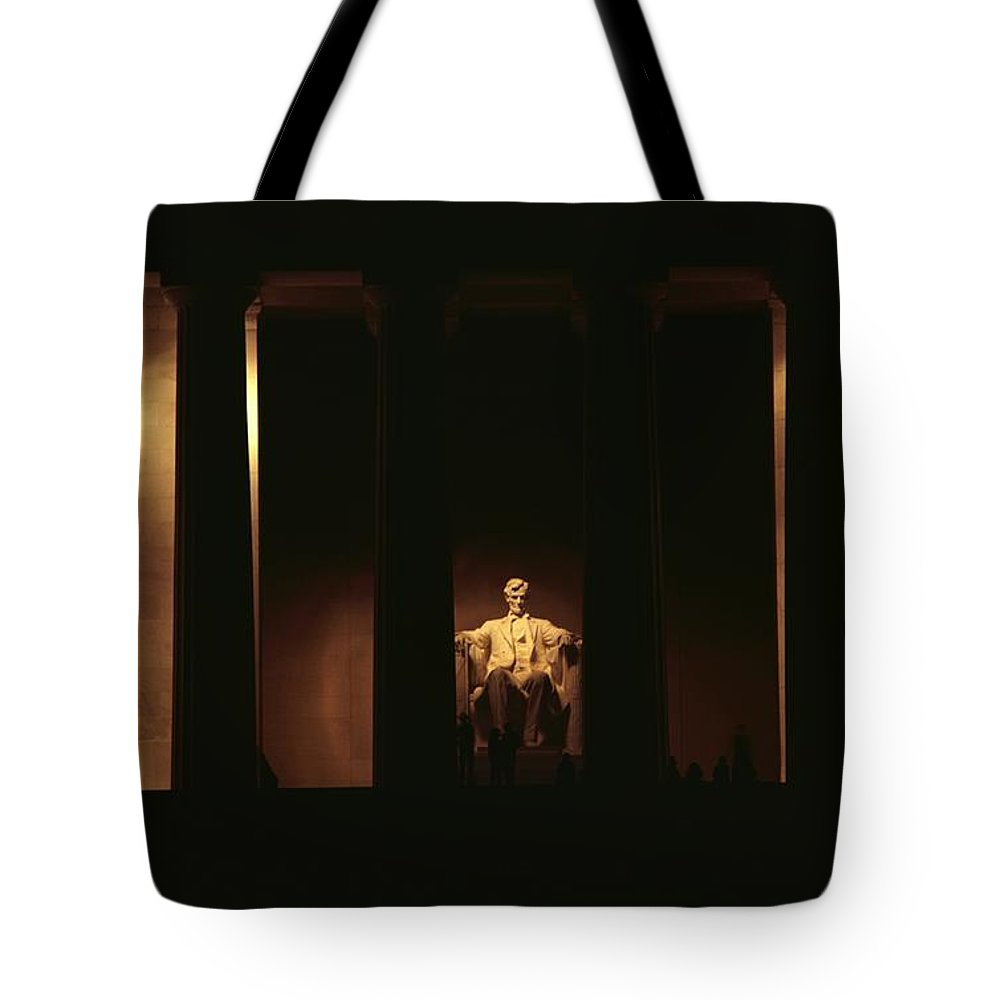 lincoln Memorial Tote Bag featuring the photograph Nighttime View Of The Illuminated by Medford Taylor