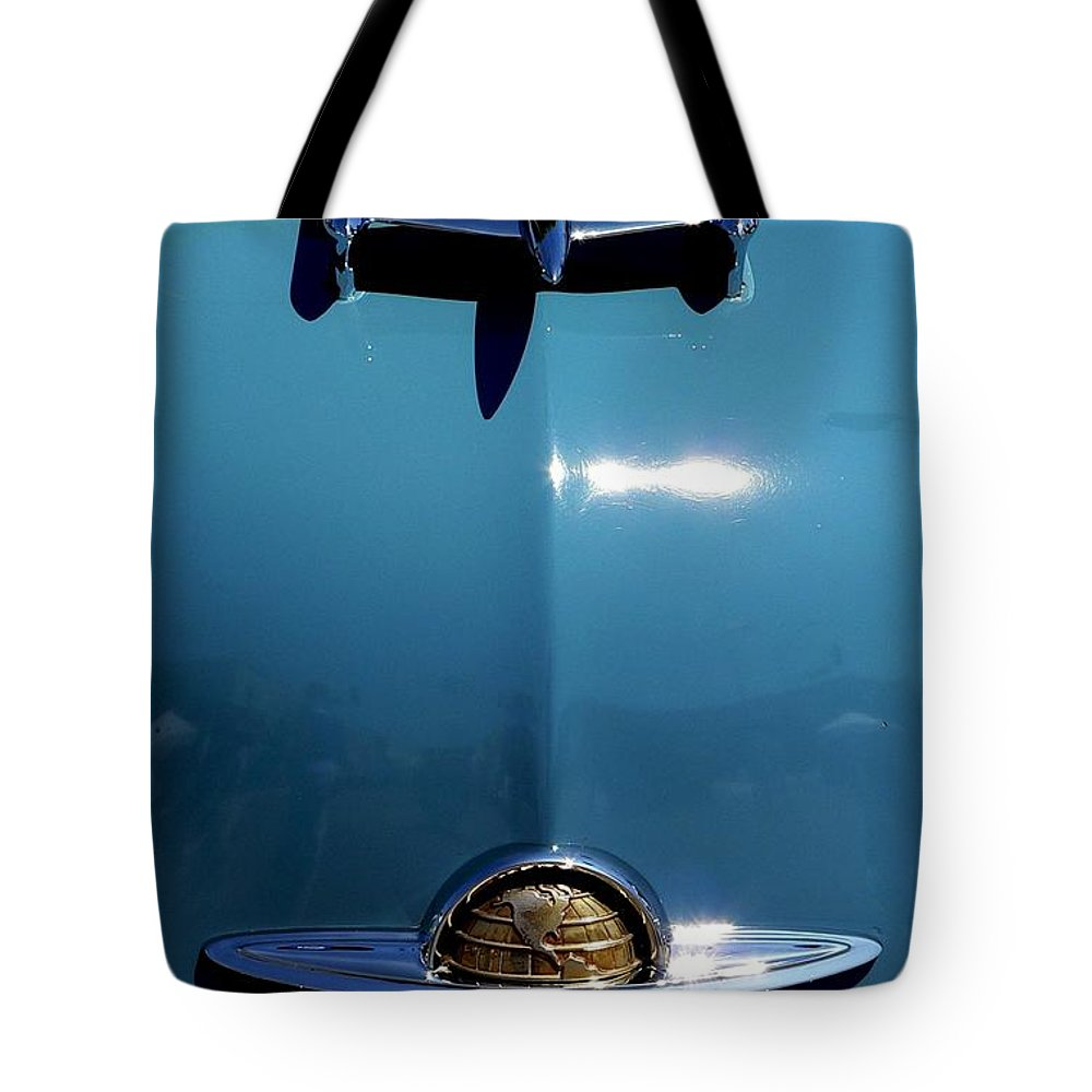 Classic Oldsmobile Tote Bag featuring the photograph Oldsmobile by Jeff Lowe