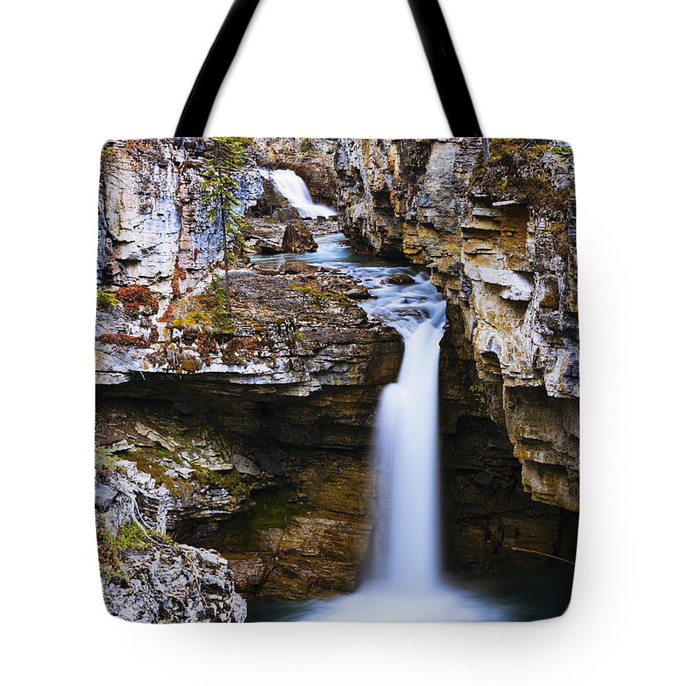 Beauty Creek Tote Bag featuring the photograph Overview Of Icefields Parkway, Beauty by Yves Marcoux