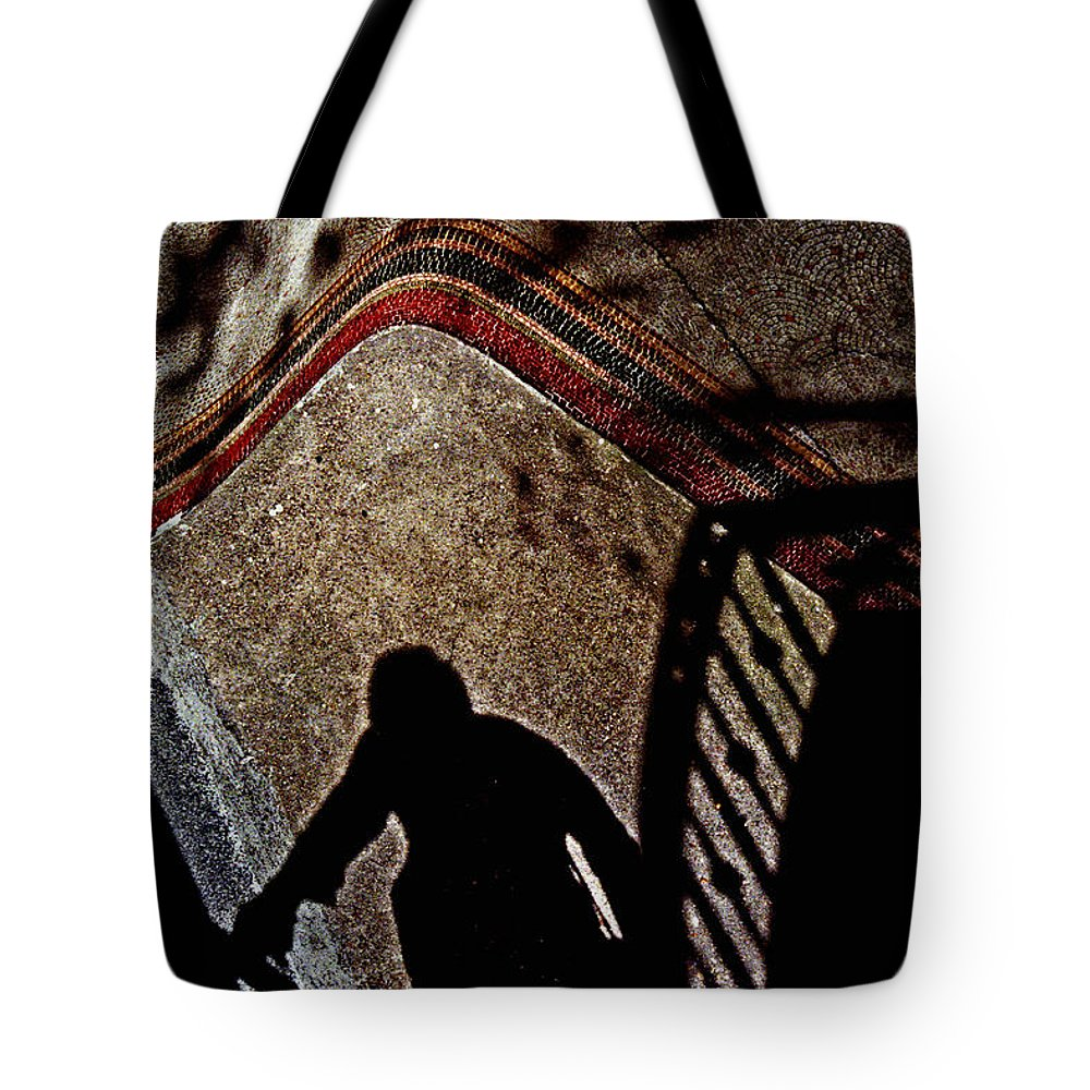 Paris Tote Bag featuring the photograph Paris Silhouette by Andrew Fare