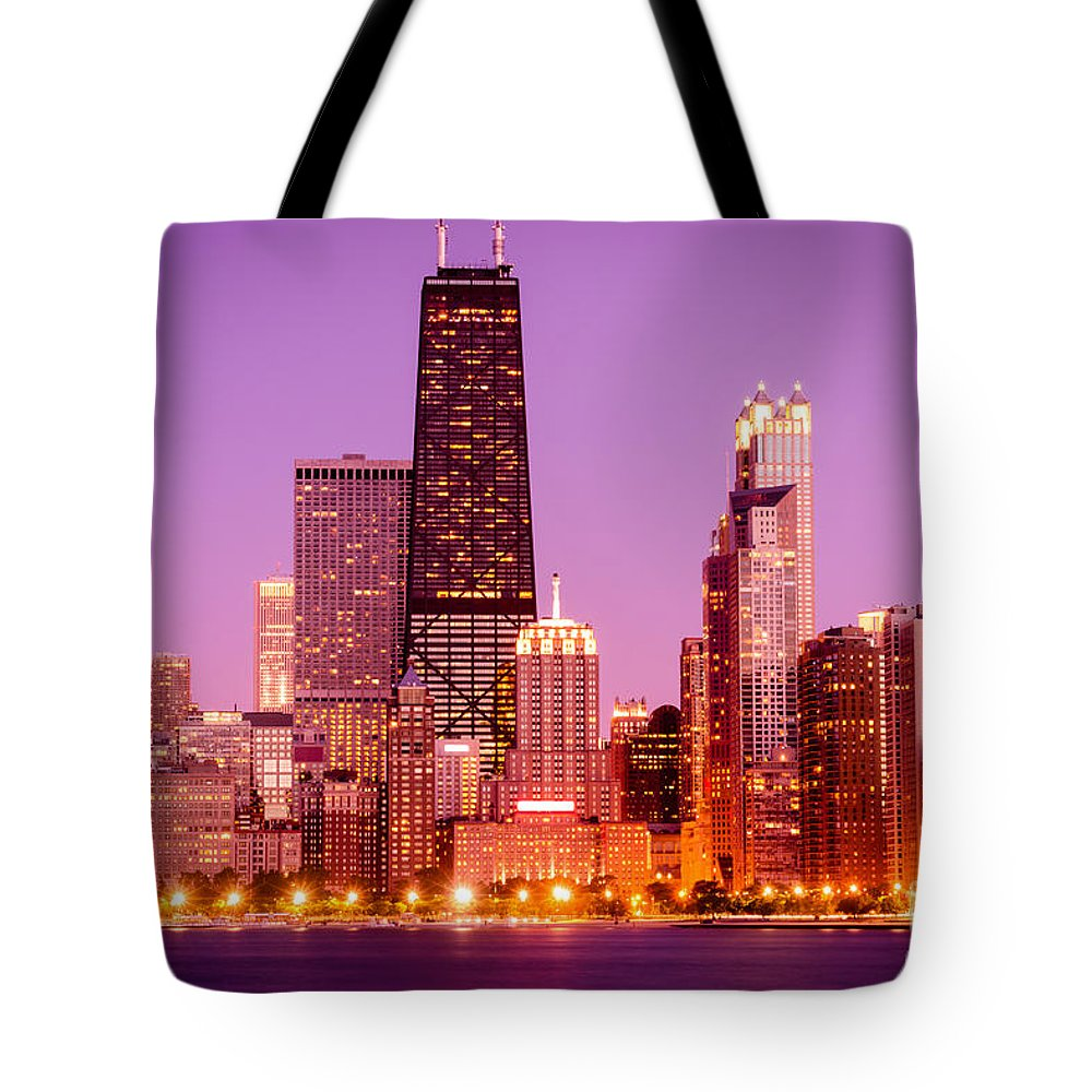 America Tote Bag featuring the photograph Picture Of Chicago Skyline By Night by Paul Velgos