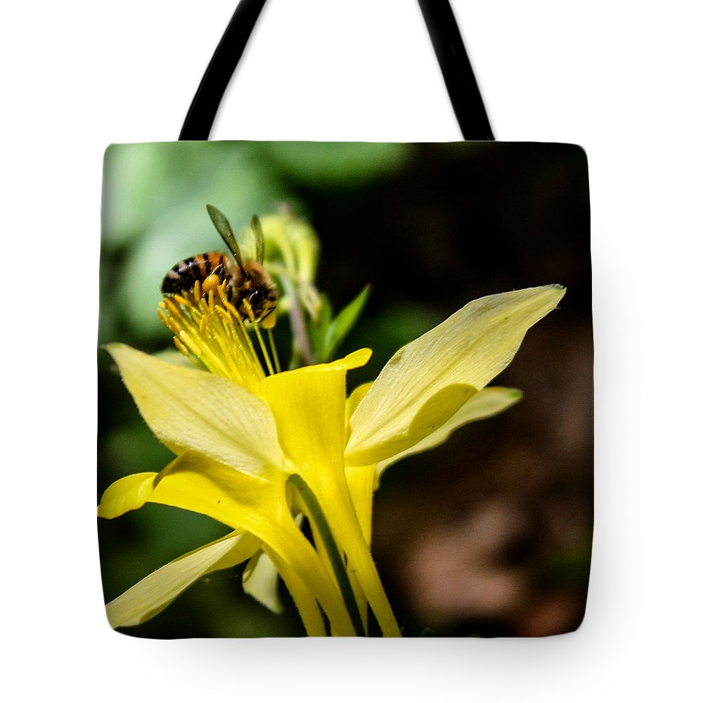 Bee Tote Bag featuring the photograph Pollen Ater by Toma Caul