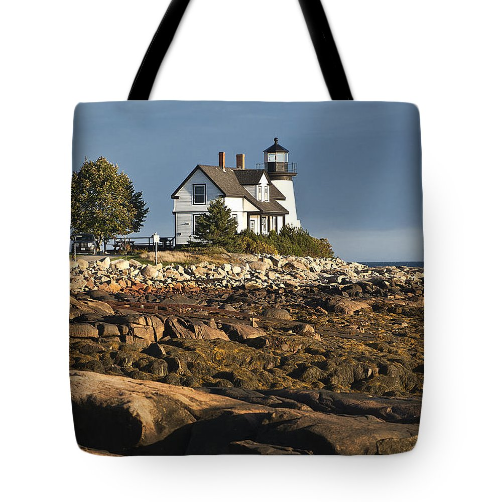 Corea Tote Bag featuring the photograph Prospect Harbor Lighthouse by John Greim
