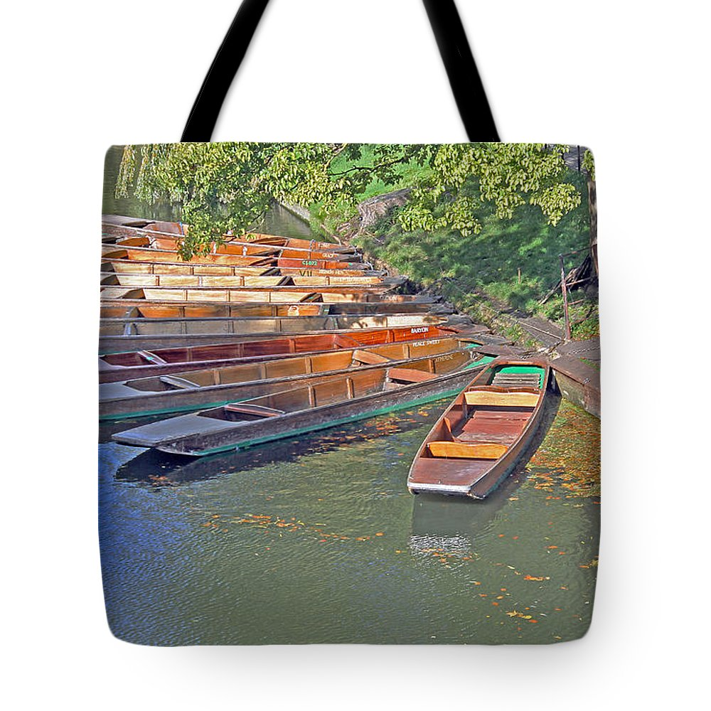 Cambridge Tote Bag featuring the photograph Punts In Cambridge by Tony Murtagh
