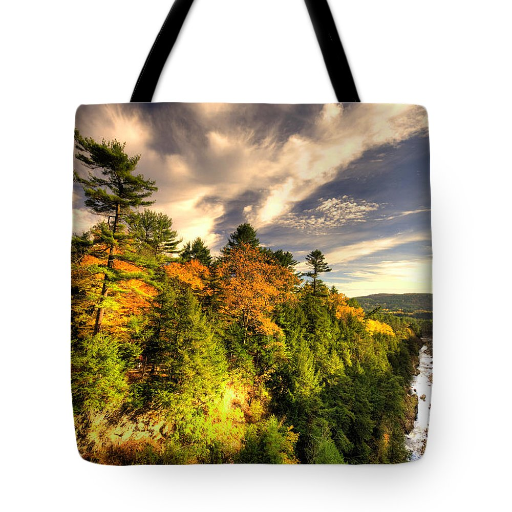 Quechee Tote Bag featuring the photograph Quechee Gorge In The Fall by Rob Hawkins