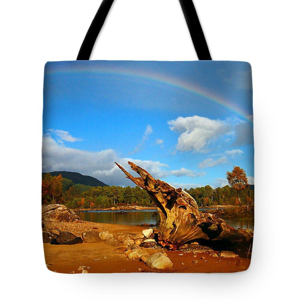 Loch Beinn A'mheadhoin Tote Bag featuring the photograph Rainbow Over Affric by Gavin Macrae