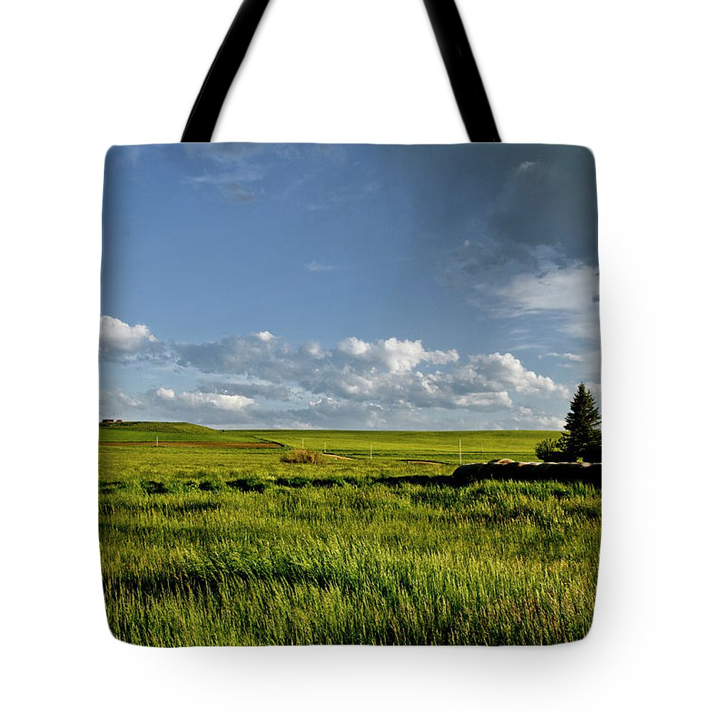 Americas Tote Bag featuring the photograph Rangeland View by Roderick Bley