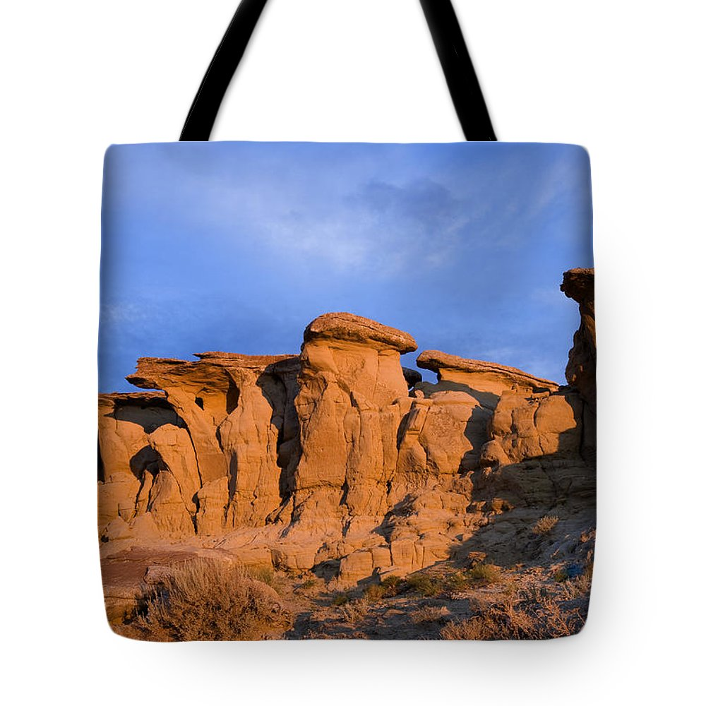 Red Rocks Tote Bag featuring the photograph Red Rock Sunset by Rich Franco