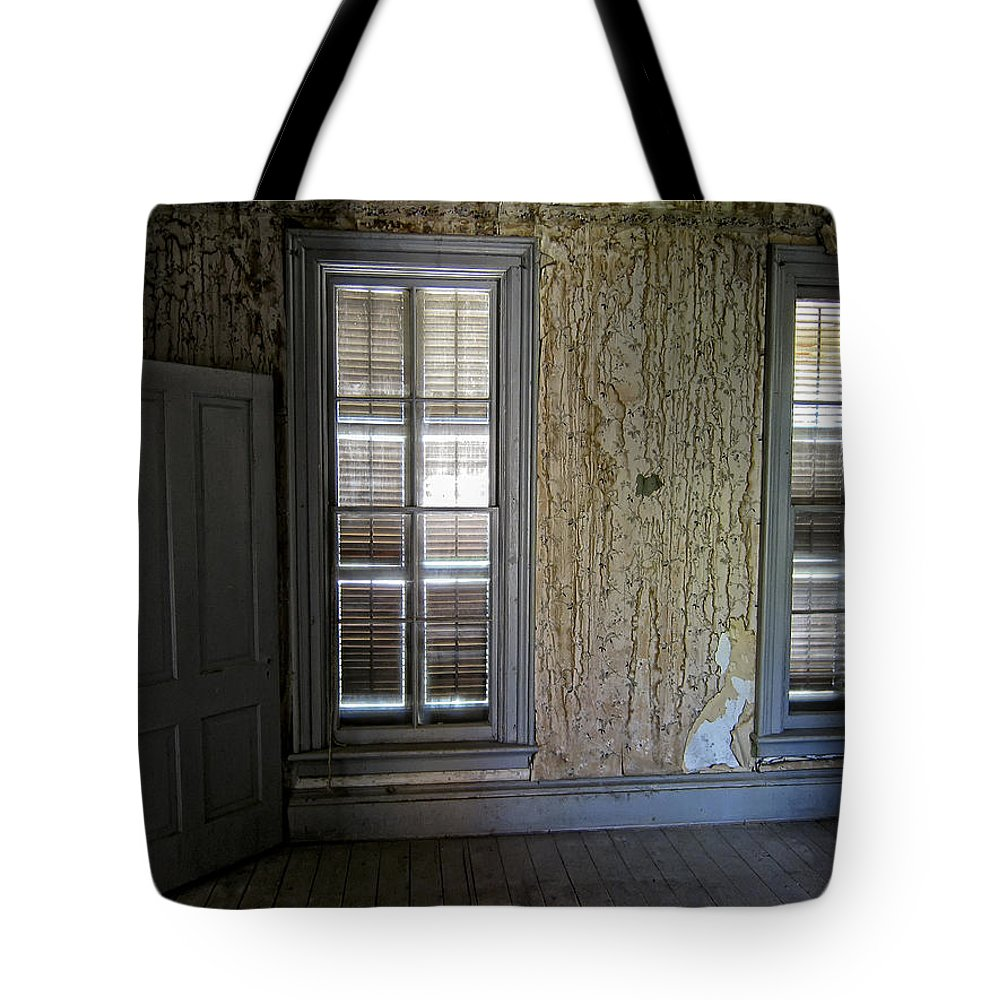 Bannack Tote Bag featuring the photograph Roe - Graves House Interior - Bannack Ghost Town by Daniel Hagerman