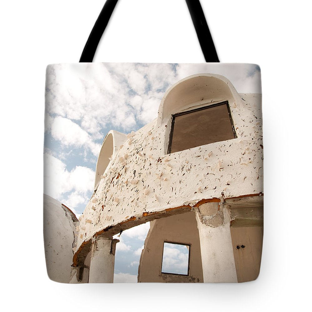 Cape Ramano Tote Bag featuring the photograph Room With A View by Christine Stonebridge