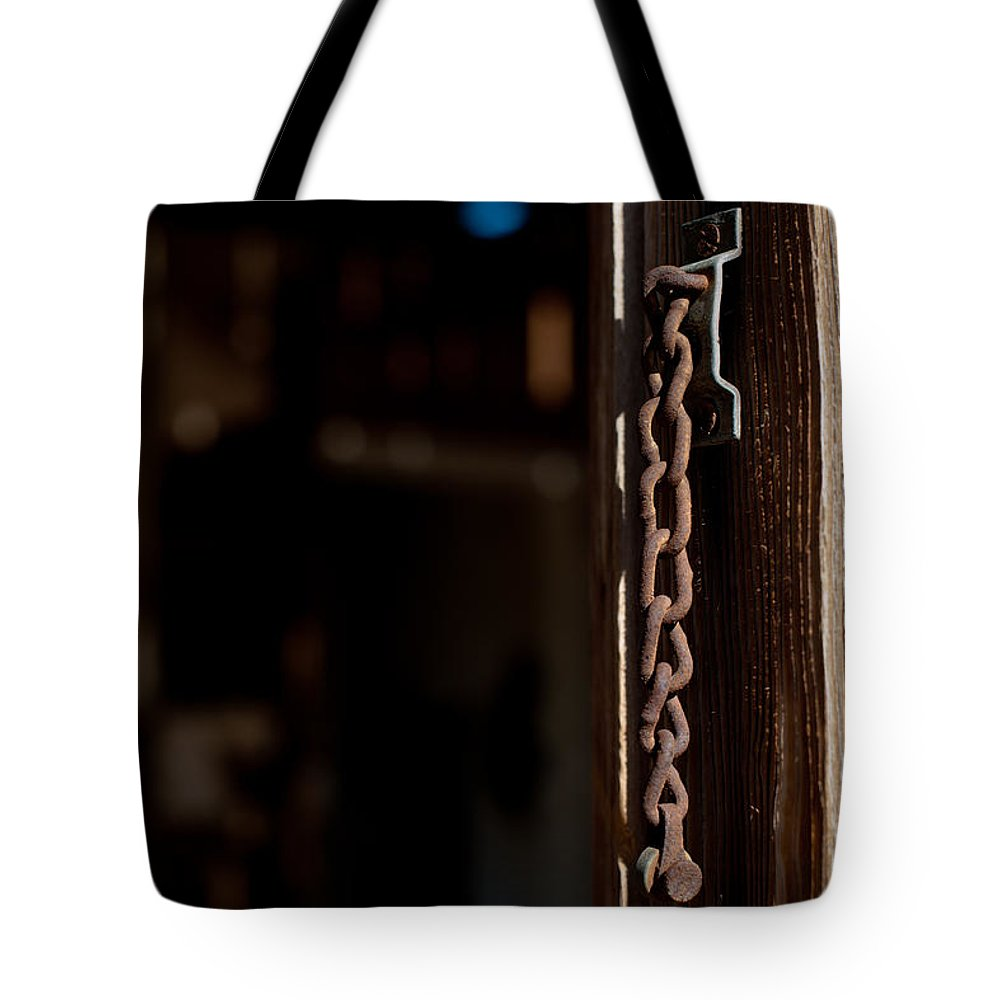 Chain Lock Tote Bag featuring the photograph Rusted Chain Lock - Color by Scott Sawyer